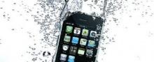 สาวก iPhone มาทางนี้ อ่านหลากวิธีปกป้องมือถือสุดที่รักให้แคล้วคลาด จากน้ำสงกรานต์กัน...