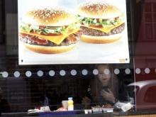 ทานอาหารไขมันสูงทำให้เด็กหญิงเสี่ยงต่อการเป็นมะเร็งเต้านมเมื่ออายุมากขึ้น