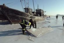 จีนหนาวสุดรอบ28ปีเรือค้างกลางน้ำแข็ง