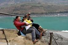เสียวไม่มีใครเกิน วิธีข้ามแม่น้ำของชาวจีน