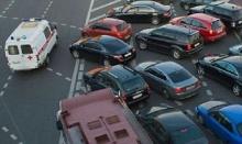 ธุรกิจแสบแท๊กซี่รถพยาบาลมารับไปทำธุระ หลีกเลี่ยงจราจรติดขัด