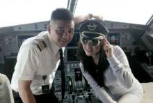 ฉาว! นักบินถูกสั่งปรับเงิน-พักงานหลังยอมให้ดารา-นางแบบฮอตถ่ายรูปคู่ ในห้องคนขับ