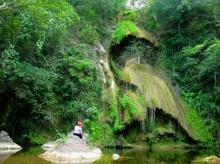 ธรรมชาติมหัศจรรย์ ที่ น้ำตกผาน้ำหยด จ.เพชรบุรี
