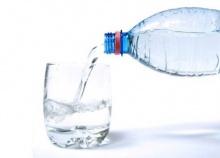 น้ำดื่มในขวด จะกินก็ต้องเลือก!