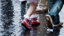 รักษารองเท้าหน้าฝน