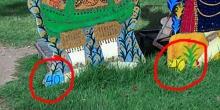 ชาวเน็ตแห่แชร์ภาพ !! ป้ายถ่ายรูปนางรำวัดอรุณฯหลอกลวงนักท่องเที่ยว