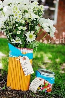 ทำแจกันดอกไม้ด้วยดินสอสีกันเถอะ!