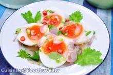 ยำไข่ต้มยางมะตูม