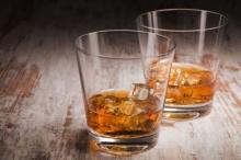 15 ข้อเท็จจริงสุดโต่งเกี่ยวกับการดื่มแอลกอฮอล์ที่ทำให้คุณมึนตึ๊บ