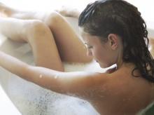 แพทย์แนะผู้หญิงยิ่งล้างลึกยิ่งเพิ่มกลิ่น อย่าสวนล้างช่องคลอด