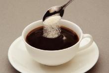ถ้าไม่อยากตายไว เลิกใส่ครีมเทียมในกาแฟซะ