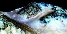 คำอธิบายจากนักดาราศาสตร์ เรื่องนาซ่าค้นพบ น้ำไหล บนดาวอังคาร