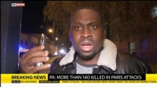 หนุ่มฝรั่งเศสรอดชีวิตปาฏิหาริย์ หลังมือถือรับกระสุนที่คนร้ายยิงใส่หัวของเขาได้อย่างหวุดหวิด!!!