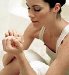 10 วิธีดูแลมือ เท้า และเล็บ