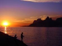 ทำไมดวงอาทิตย์ตอนเช้าหรือตอนเย็นจึงดูดวงใหญ่