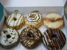 Dunkin Donuts กับ Mister Donut ใครเริ่มธุรกิจก่อนกัน
