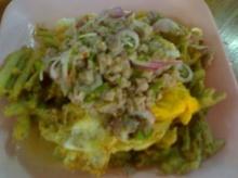 ยำผักบุ้งกับปลาทู