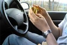● เตือน กินอาหารในรถ เพาะเชื้อโรคร้าย ●