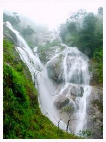 น้ำตกปิตุ๊โกลอซู น้ำตกที่สูงที่สุดในเมืองไทย