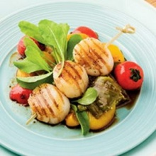 สลัดหอยเชลล์และผักย่าง