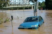 เมื่อได้เวลาคิด จะเปลี่ยนรถดีไหม หลังน้ำท่วม?!!
