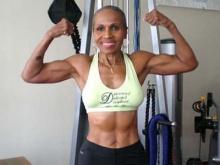อายุเป็นเพียงตัวเลข เคล็ดลับคุณยายมะกันวัย 75 เจ้าของสถิตินักเพาะกายหญิงอายุมากที่สุดในโลก