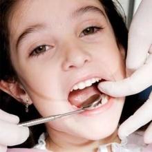ฟันแท้หลุด เก็บถูกวิธีมีโอกาสใส่คืนได้