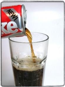ดื่มน้ำอัดลมเพิ่มวันละกระป๋อง เสี่ยงเบาหวานเพิ่มขึ้น 22%