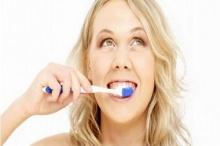 ไม่แปรงฟัน ระวังโรคถามหา