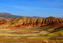 เพ้นท์ ฮิลล์ มหัศจรรย์สีสันแห่งชั้นภูเขาดิน