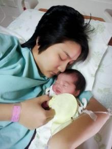 ′วิว-เยาวภา′ คลอดลูกสาว ตั้งชื่อเล่น ′น้องเรย์′ สนับสนุนเล่นเทควันโด