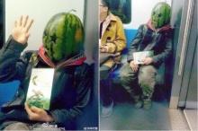 ห๊ะ อะไรนะ เจอ มนุษย์หัวแตงโม บนรถไฟใต้ดิน!!
