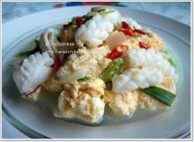 ไข่คั่วปลาหมึก เมนูง่ายๆ