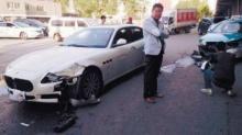ร้องไห้หนักมาก!!!สาวขับแท็กซี่ถึงกับน้ำตาแตก ขับชนรถหรูแต่ไม่มีปัญญาจ่าย!!!