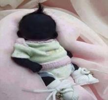ทารกที่มีผิวดำที่สุดในโลก จากแอฟฟริกาใต้ ชาวเน็ตทั่วสารทิศแชร์กระจาย หนูน้อยน่ารักดุจตุ๊กตา