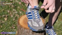รู้หรือไม่? รูร้อยเชือกที่เกินมามีใว้ป้องกันเท้าของเรา