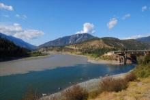 เริ่มแล้ว !! ปรากฏการณ์ แม่น้ำสองสี จ.อุบลฯ อิทธิพลจาก โซนร้อนคูจิระ