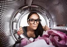 14 สิ่งของที่คุณอาจไม่เคยรู้ว่าสามารถนำไปซักในเครื่องซักผ้าได้