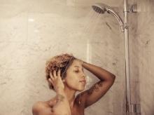 นักวิทยาศาสตร์ยก 6 เหตุผลไม่ต้องอาบน้ำทุกวันก็ได้