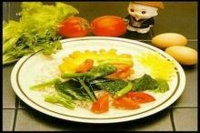 ไข่กวนถั่วเขียวราดหน้าผักคะน้า