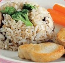 อาหารเด็ก: ข้าวผัดสเต็กปลา (2 ขวบ)