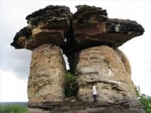เสาเฉลียง มหัศจรรย์เสาหินแห่งอุทยานแห่งชาติผาแต้ม
