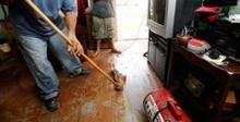 ป้องกันเชื้อโรคเชื้อราขณะล้างบ้านหลังน้ำลด
