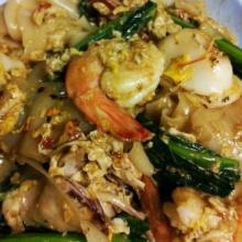 ซีเอ็นเอ็นโก ยกผัดซีอิ๊ว สุดยอดอาหารข้างทางของไทย