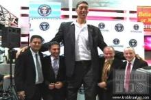 ชายตุรกีสูงที่สุดในโลกหยุดสูงแล้วที่ 251 เซนติเมตร