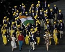 เผยสาวเสื้อแดงปริศนาในแถวนักกีฬาอินเดีย เป็นทีมจนท.