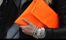 สีช่วยให้กระเป๋าตุง