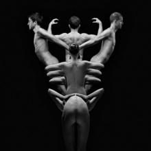 ภาพถ่ายสุดอาร์ต งานภาพศิลปะ รวมร่างมนุษย์กลายพันธุ์ 18+