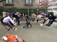 ฮิตล่าสุด! ท่าพลังคลื่นเต่า จากดราก้อนบอลล์ เทรนด์ถ่ายรูปใหม่สุดฮิตจากญี่ปุ่น