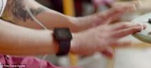 แอปเปิ้ลแอบแย้มโฉม Iwatch หลังออกโฆษณาขายไอโฟนรุ่นใหม่